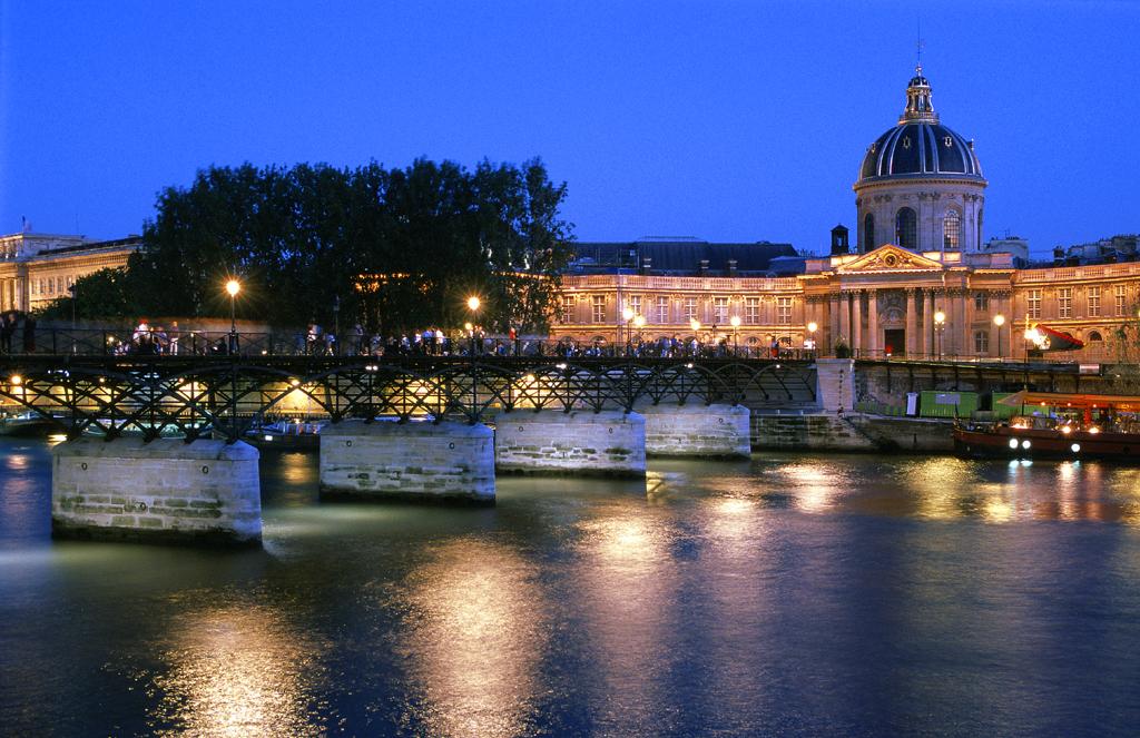 French Wine Explorers Introduces A Taste Of Paris And Bordeaux - France tours