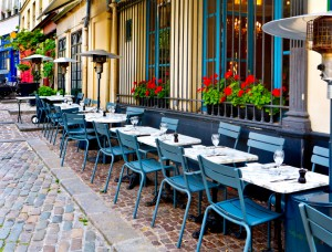 eating in paris