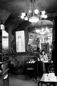 dining in Paris